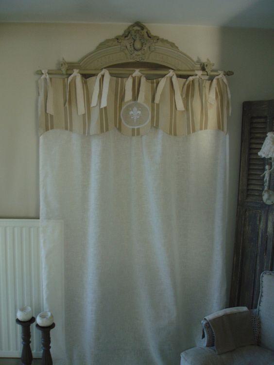 magnifique rideau cantonni re en toile matelas et voile toile et textiles. Black Bedroom Furniture Sets. Home Design Ideas