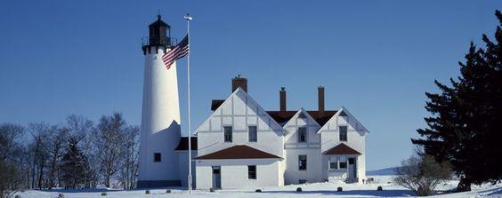 Port Iroquois Light Station