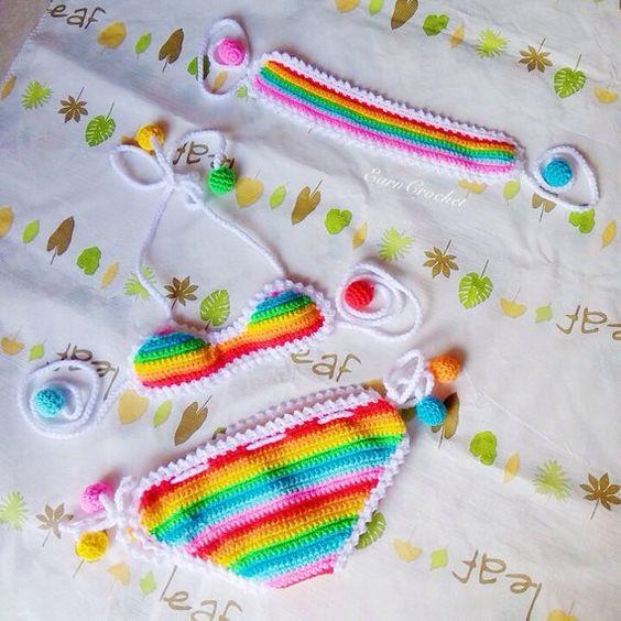 Arco iris playa conjunto bikini de ganchillo bebé y por EarnCrochet