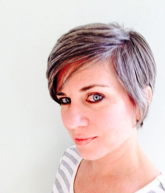 what does a pixie haircut look like pixie cut growing out slowly the grey is can t 2801 | 64b93da70cf37c094dc6681d8fe9e089