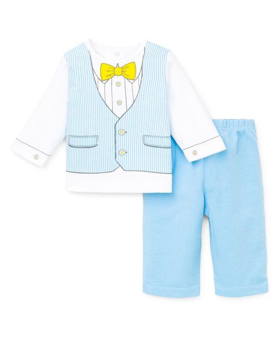 Este traje con estampado de chaleco con rayas azul y blanco es perfecto para vestir o para jugar. Incluye Camiseta, y pantalón.