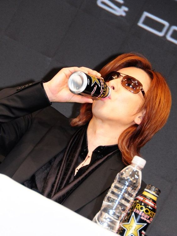 ナタリー - YOSHIKI記者会見でX JAPANドームライブを電撃発表