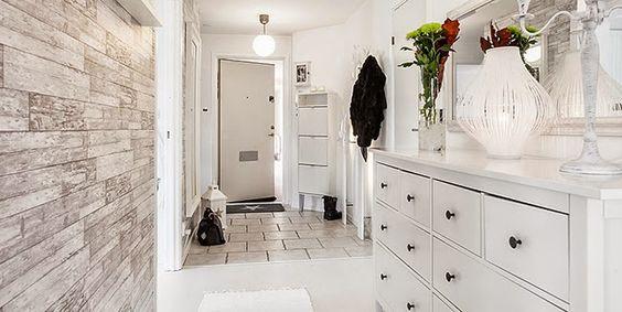 Un piso de estilo n rdico rom ntico en blanco y gris for Corredor deco blanco y gris