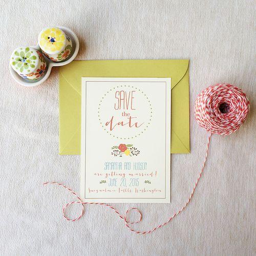 Dots and Flowers Save the Date 01.jpg Bonita combinacion de colores, sobre de color, ¿cerrado con hilo blanco-rojo?