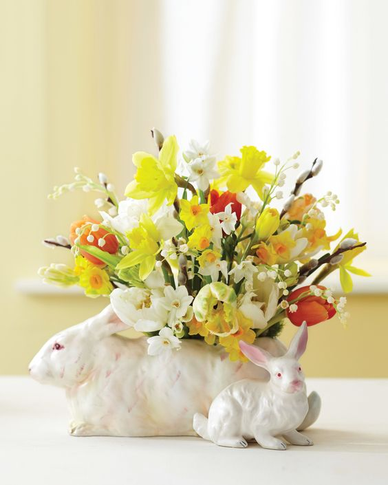For more than a century, rabbits have been a motif for springtime goodies, be they vases for daffodils or stuffed toys in an Easter basket. #easter #easterideas #easterdecoration