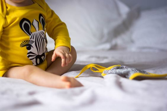 Organic cotton bib + body set, with exclusive graphics and prints