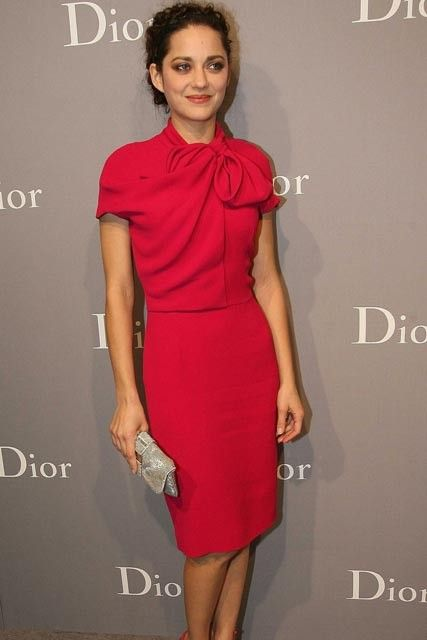 Marion Cotillard - the bow and simple cut!