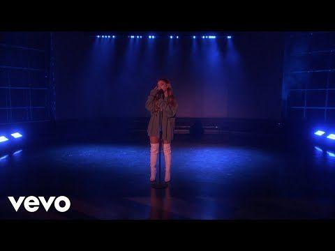 4278 Ariana Grande Breathin Live On Ellen 2018 Youtube