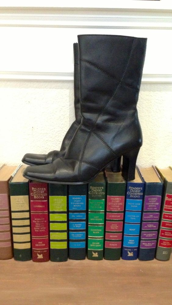 Awesome vintage black leather boots at SVG