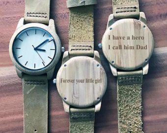 Personalizada de oscuro ébano madera reloj con grabado por axMen