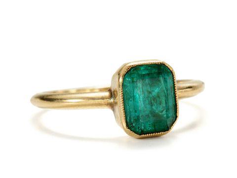 Antique Emerald Ring, circa 1850, in 18k road.