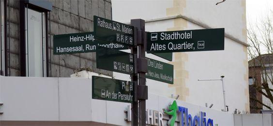 Infosysteme, Schaukästen, Beschilderungen, Stadtmobiliar, information systems, street furniture