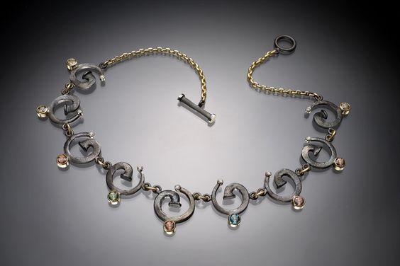 Zircon Spiral Necklace300dpi