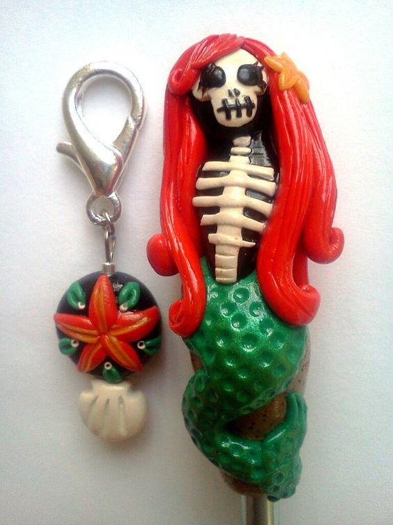 CROCHET Hook  La Sirena Hook & stitch marker / Day by scary2merry, $24.00