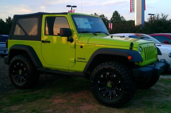 THIS is the jeep I want.  <3 the color!