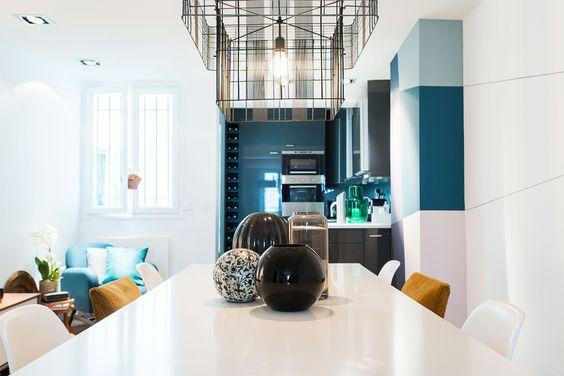 Open kitchen, Flat remodeling in Paris photo credit : Caroline Menne