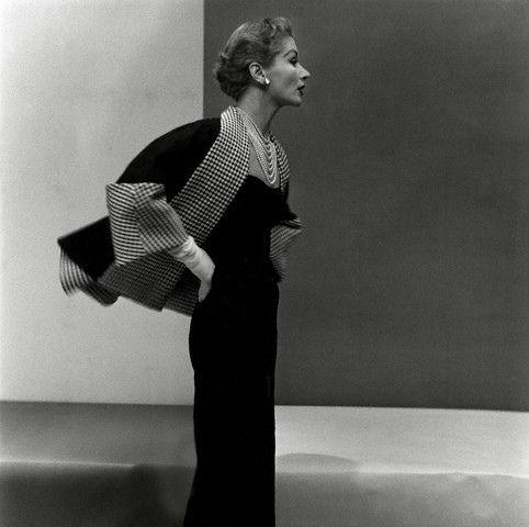 Lisa Fonssagrives, photo by Frances McLaughlin-Gill, 1950
