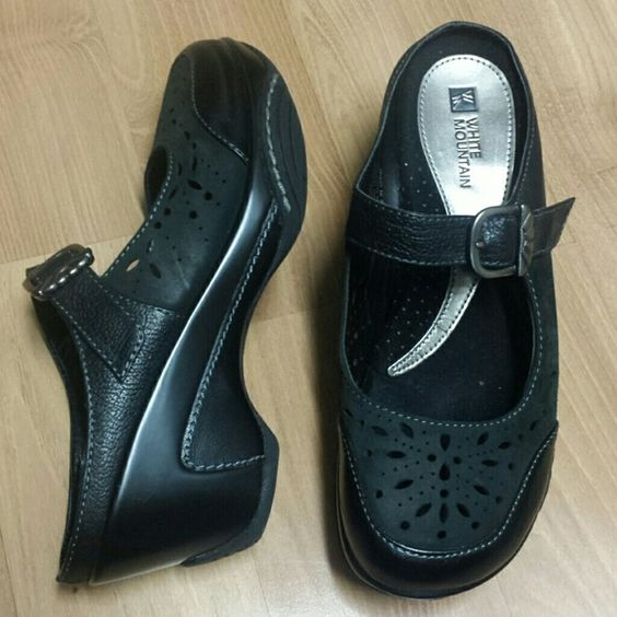 """""""White Mountain"""" sandals White Mountain Sandals black, soft and comfortable sandals.  Heels measure about 3"""", see pictures for very minor wears. White Mountain Shoes Sandals"""