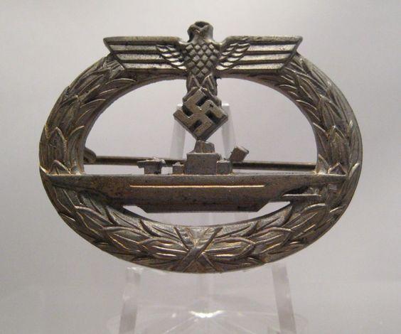 28/LXI Militaria UK – WW2 Deutsche (German) – Kriegsmarine (Navy) – U-Boot-Kriegsabzeichen (Submarine War Badge) late War Zink. (F. O) Friedrich Orth, Austria. c.1939 - 45.