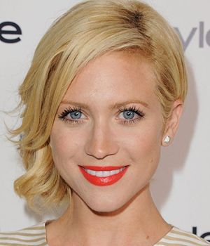10 Celebrities Wearing Bold Orange Lipstick - http://trendyinsight.com/10-celebrities-wearing-bold-orange-lipstick/