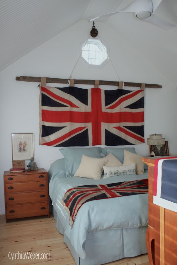 Flag ideas master bedrooms and british on pinterest for Union jack bedroom ideas