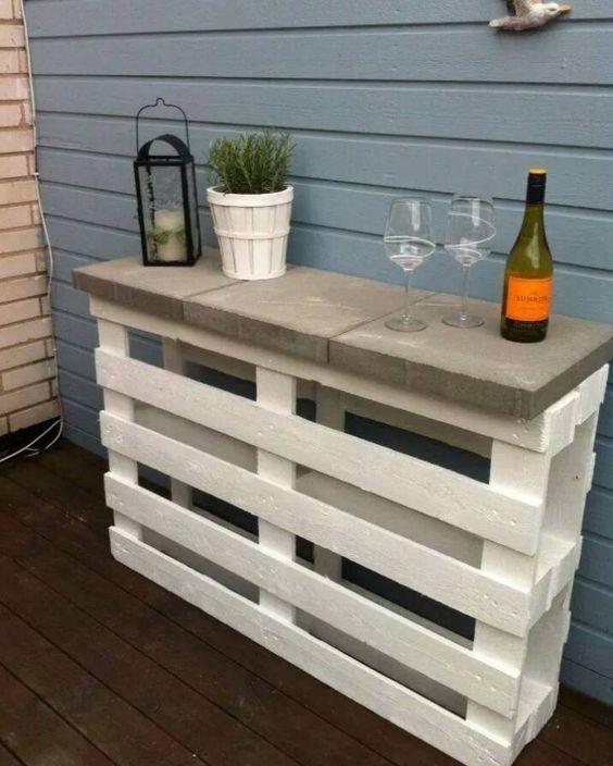 Bar aus Paletten selber bauen - DIY Ideen und Anleitungen
