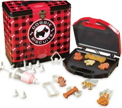 Doggie Treat maker, bake your own dog treats with this fun kit #Dogs, #Pets, #Treats