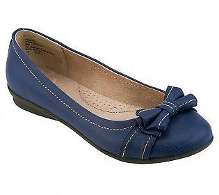 Cliffs Holla Slip-on Flats with Bow and Stitch Details