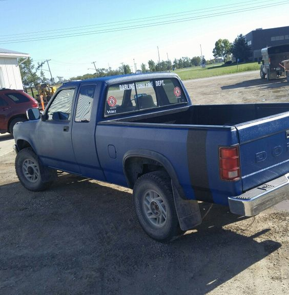 Truck painted with spray in bedliner