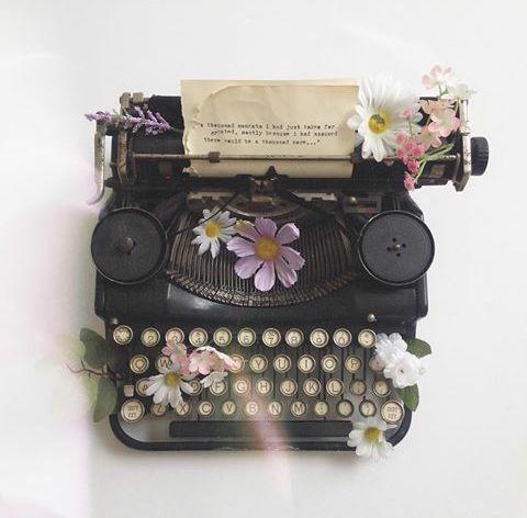 Máquina de escrever, vintage, muito sonho de consumo! ♡: