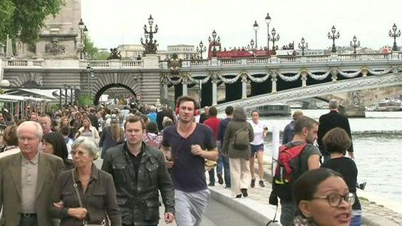 BBC News - Reclaiming Paris's River Seine quayside