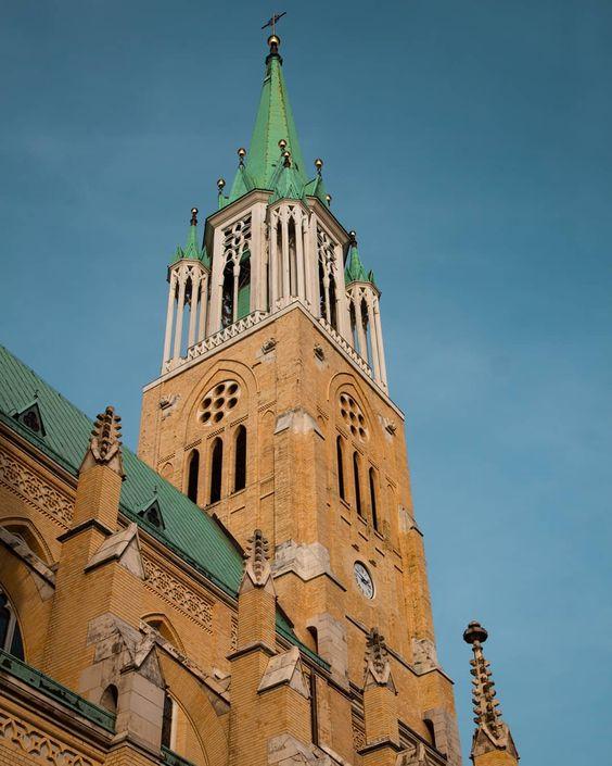 Wieża Bazyliki archikadetralnej w Łodzi . . . #photooftheday #photography #photographysouls #lodz #igerslodz #architecture_photography…