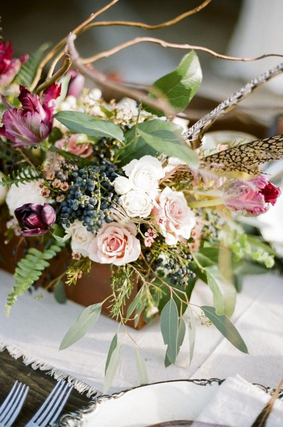 Autumn wedding inspiration with a hint of lilac | Photographey: Jenna Henderson
