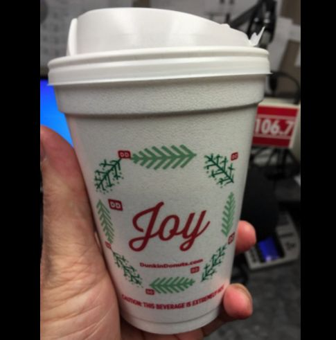 Dunkin Donuts Burns Starbucks Bad With Their New Cups