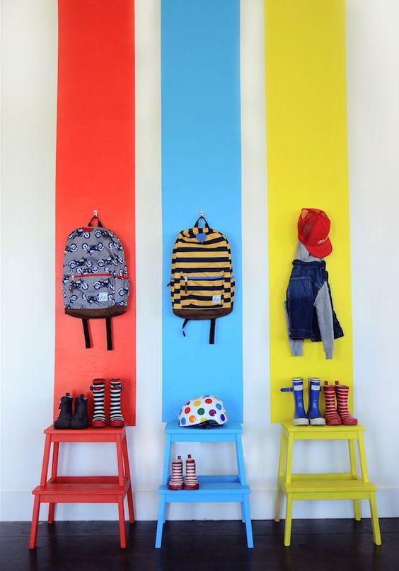 mochilas, dormitorio infantil kidsmopolitan paredes pintadas banquetas de…