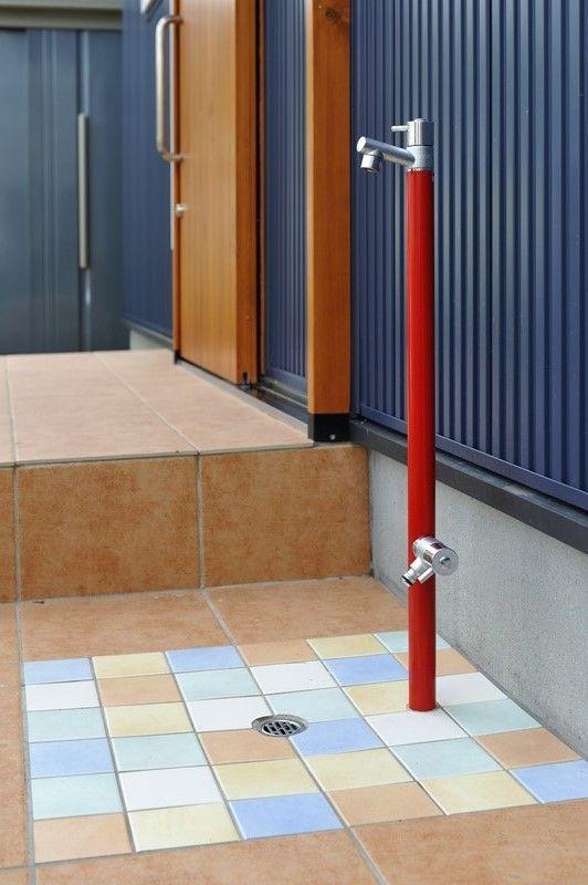 外観のアクセントになる水栓 屋外シンク 庭 水道 ベランダ リフォーム