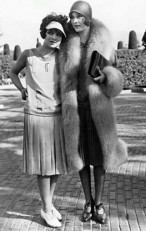 Clara Bow & Esther Ralston | 1927