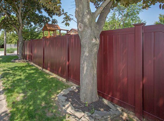 Illusions pvc vinyl fence photo gallery vinyls for Cool fences
