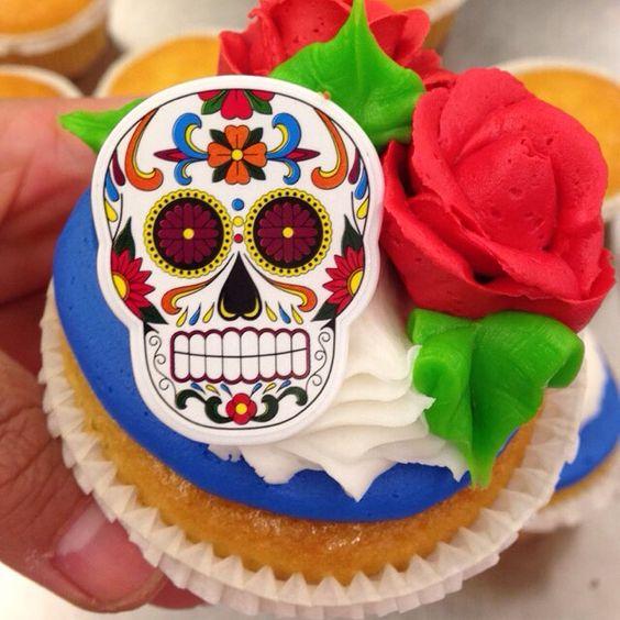 Sugar skull themed cupcake  #littleroses #sugarskullrings