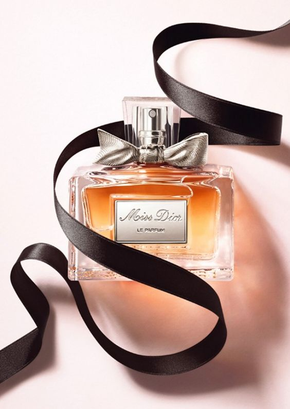 Campagne de pub du parfum Miss Dior Le Parfum