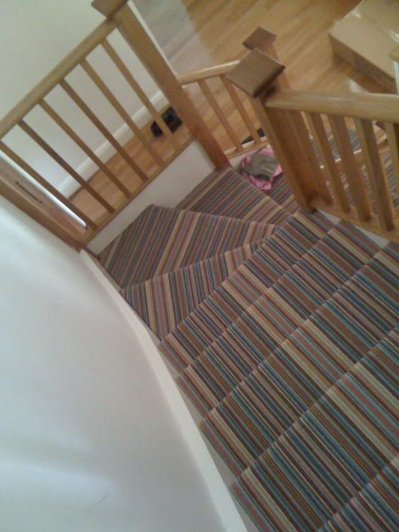 Striped Carpet On Stairs Winder Not Right Diynot Com