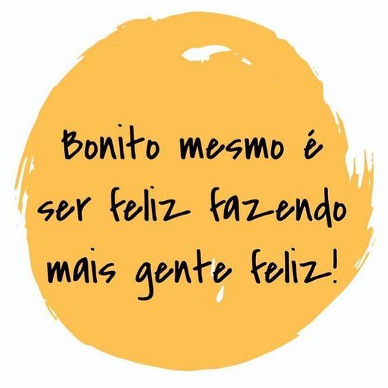 Bonito mesmo é... ser feliz! fb.com/avidaquer  #agentenaoquersocomida #avidaquer @avidaquer por @samegui