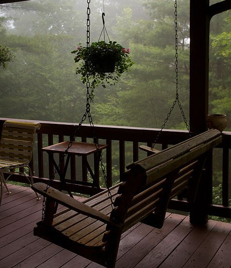 swing on the cabin porch - Ana Rosa: