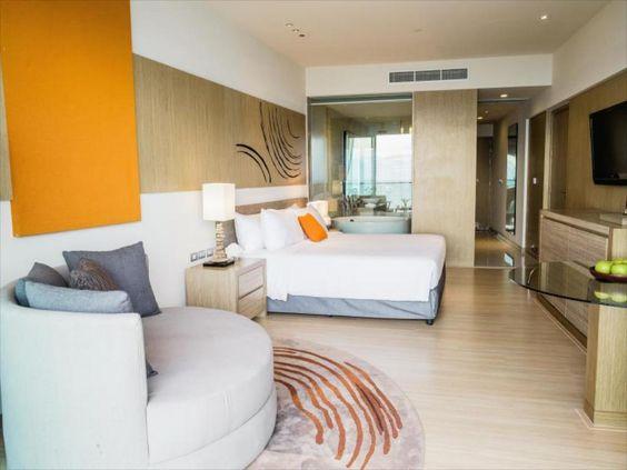 เช็คราคาพิเศษ ห้อง premium with seaview โมเว่นพิค พัทยา