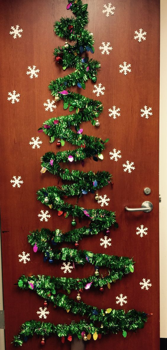 41 Cute Christmas Door Decoration Ideas For Your Holiday Inspiration Nutc Office Christmas Decorations Holiday Door Decorations Diy Christmas Door Decorations