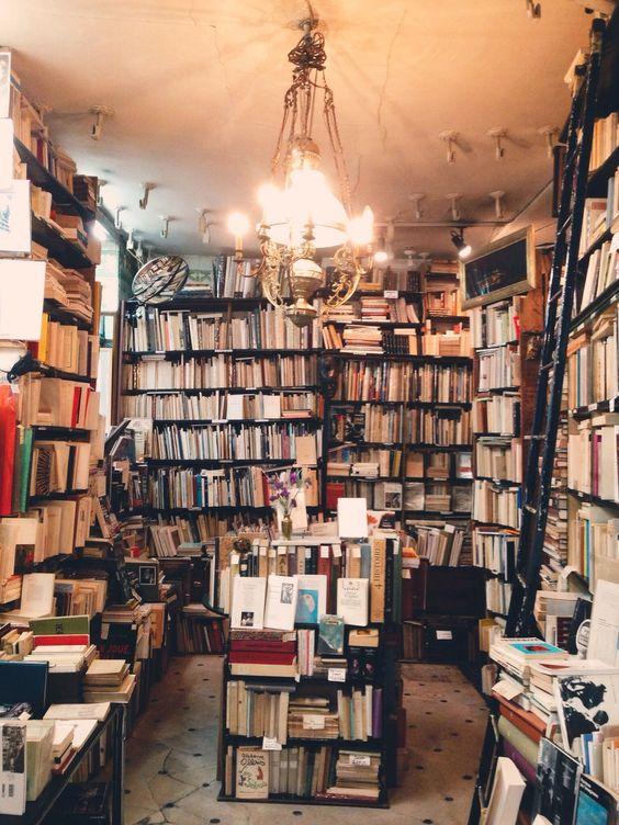 El encanto de una librería en algún barrio: