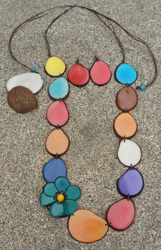 Blooming flower multicolor flower tagua necklace set