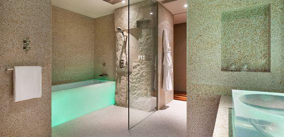 Contemporary style bathroom