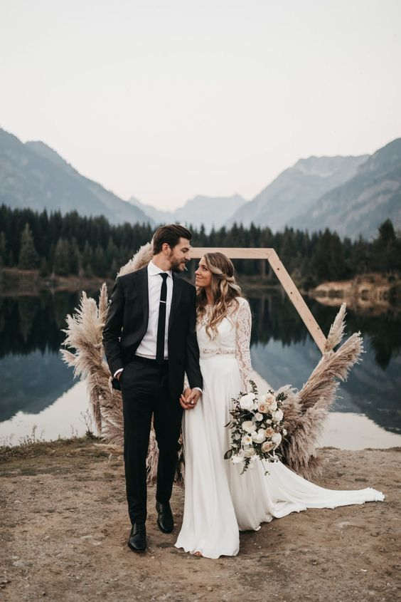 Jen + Andrew's Romantic Sunset Wedding – Gold Creek Pond – athenaandcamron.com