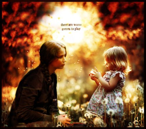 peeta and katniss after the hunger games with there kids ...